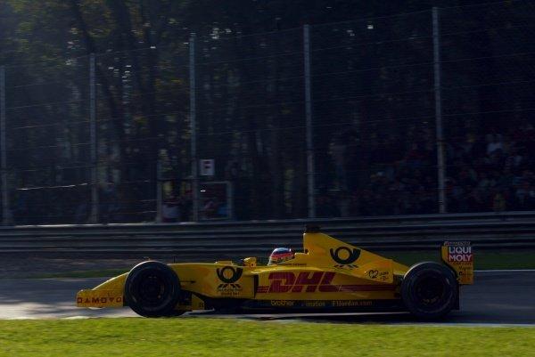 Takuma Sato (JPN) Jordan Honda EJ12.Italian Grand Prix, Monza, 15 September 2002.DIGITAL IMAGE