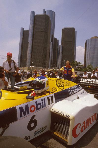 Detroit, Michigan, USA.21-23 June 1985.Keke Rosberg (Williams FW10 Honda) 1st position.Ref-85 USA 04.World Copyright - LAT Photographic
