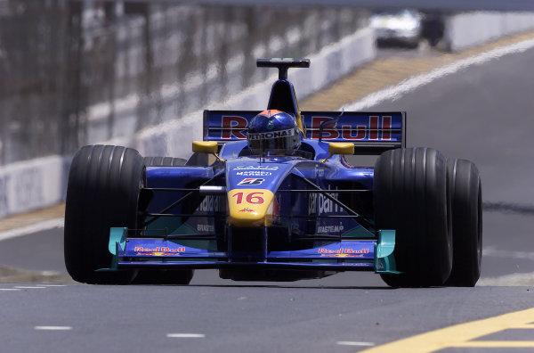 2000 Brazilian Grand Prix.Interlagos, Sao Paulo, Brazil.24-26 March 2000.Pedro Diniz (Sauber C19 Petronas).World Copyright - Steve Etherington/LAT Photographic