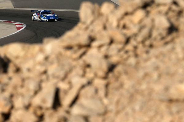 2016 FIA World Endurance Championship, Bahrain International Circuit, 17th-19th November 2016, Christian Reid / Wolf Henzler / Joel Camathias - KCMG Porsche 911 RSR  World Copyright. Jakob Ebrey/LAT Photographic