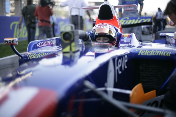 2008 GP2 Series. Round 1. Sunday Race.Barcelona, Spain. 27th April 2008Javier Villa (ESP, Racing Engineering). World Copyright: Alastair Staley/GP2 Series Media Service.ref:__P9O6061 jpg
