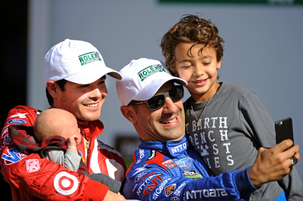 "22-25 January, 2015, Daytona Beach, Florida USA Kyle Larson and Tony Kanaan take ""selfies"" with their kids. ?2015, F. Peirce Williams LAT Photo USA"
