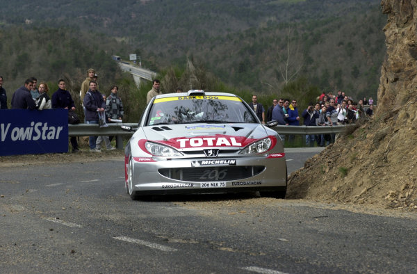 2001 World Rally Championship.   Catalunya Rally, Spain.  22nd - 25th March 2001. Rd 4.  Didier Auriol on the shakedown stage. World Copyright: Ralph Hardwick / LAT Photographic. Ref: Auriol1