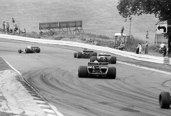 Jean-Pierre Jabouille (FRA) Renault RS01, who retired from the race on lap 47 with a blown engine, heads towards Graham Hill Bend.