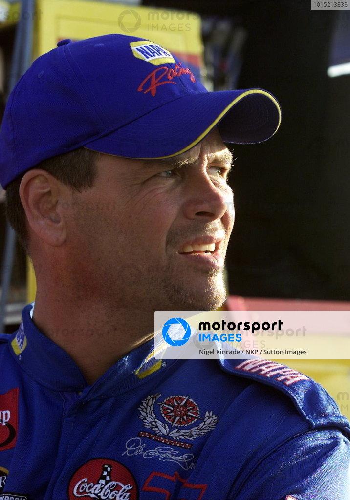 Michael Waltrip (USA) NAPA Chevrolet finished twenty-sixth. NASCAR Winston Cup Series, NAPA 500, Atlanta, USA, 17 November 2001.DIGITAL IMAGE