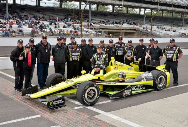 17-18 May, 2014, Indianapolis, Indiana, USA #22 Sage Karam, Dreyer & Reinbold-Kingdom Racing and crew ©2014 Dan R. Boyd LAT Photo USA