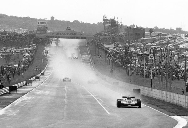 1979 South African Grand Prix. Kyalami, South Africa. 1-3 March 1979. Gilles Villeneuve (Ferrari 312T4) 1st position, lap 2 action just before red flag due to downpour of rain, action. World Copyright - LAT Photographic. ref: 12201/18