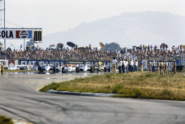 Cars on the grid before the start.