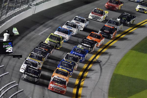 #28: Bryan Dauzat, Jim Rosenblum Racing, Chevrolet Silverado and #18: Chandler Smith, Kyle Busch Motorsports, Toyota Tundra Safelite AutoGlass