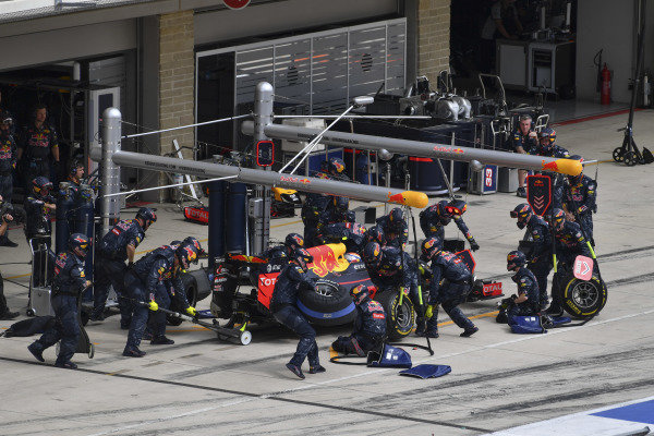 Max Verstappen (NED) Red Bull Racing RB12 arrives in his pit box for a pit stop unexpectedly at Formula One World Championship, Rd18, United States Grand Prix, Race, Circuit of the Americas, Austin, Texas, USA, Sunday 23 October 2016.