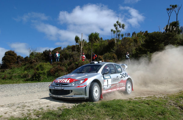 2002 World Rally Championship.Propecia Rally of New Zealand, Auckland, October 3rd-6th.Richard Burns on stage 10.Photo: Ralph Hardwick/LAT