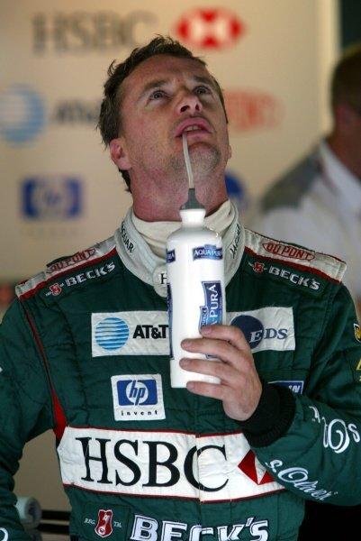 Eddie Irvine (GBR) Jaguar Cosworth R3 was fourth fastest in practice.Italian Grand Prix, Monza, 13 September 2002.DIGITAL IMAGE