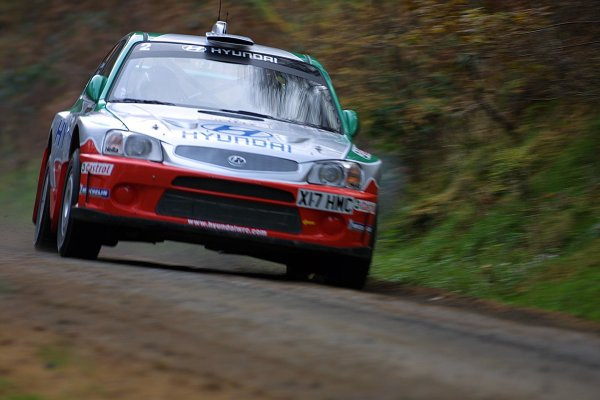 2001 FIA World Rally Championship.Rally Of Great Britain. Cardiff, Wales. November 22-25th.Pierro Liatti, Hyundai Accent WRC.Stage One.Photo: Paul Dowker/LAT Photographic.World - LAT Photographic.8 9mb DIgital File Only