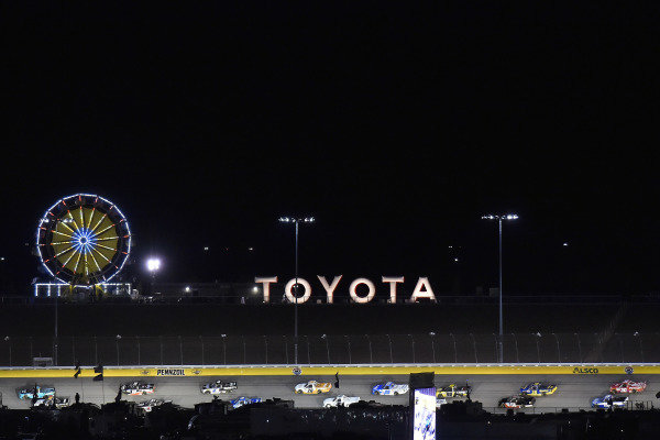 #13: Johnny Sauter, ThorSport Racing, Ford F-150 Tenda and #51: Kyle Busch, Kyle Busch Motorsports, Toyota Tundra Cessna