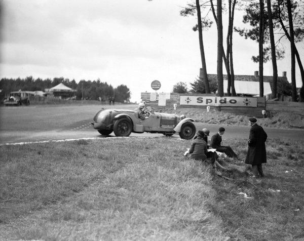 Louis Chiron / Franco Cortese, Capt. G. E. T. Eyston, Alfa Romeo 8C 2300 MM.
