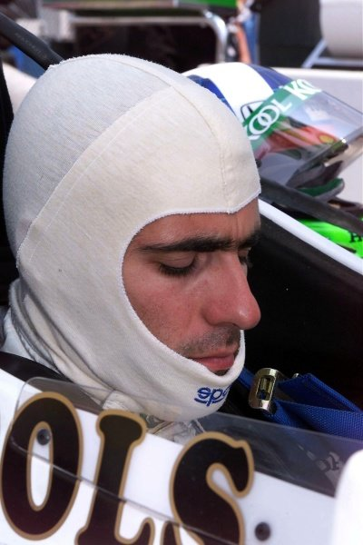 Dario Franchitti (GBR) Team Kool Green, waits to qualify for the Michigan 500, Brooklyn, MI, 21, July 2001.