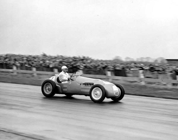 Goodwood, Great Britain.26 March 1951.2000cc voiturette race.Stirling Moss (F2 HWM-Alta), 1st position.Ref-Motor 768/27.World Copyright - LAT Photographic