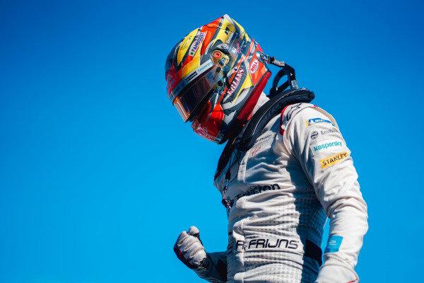 Race winner Robin Frijns (NLD), Envision Virgin Racing celebrates in parc ferme