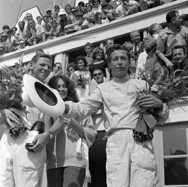 Paul Frère and Olivier Gendebien, 1st position, on the podium.