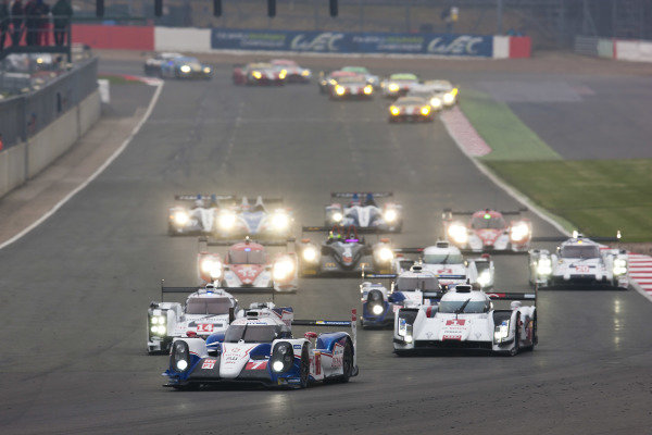 The start of the race. World Endurance Championship, Rd1, Silverstone, England, 18-20 April 2014.