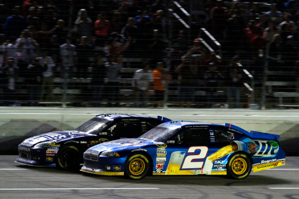 2-4 November, 2012, Fort Worth, Texas USA Jimmie Johnson and Brad Keselowski battle for the lead.(c)2012, Lesley Ann Miller LAT Photo USA