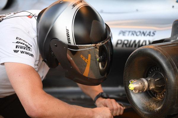 Mercedes-AMG F1 W09 EQ Power+ rear wheel hub