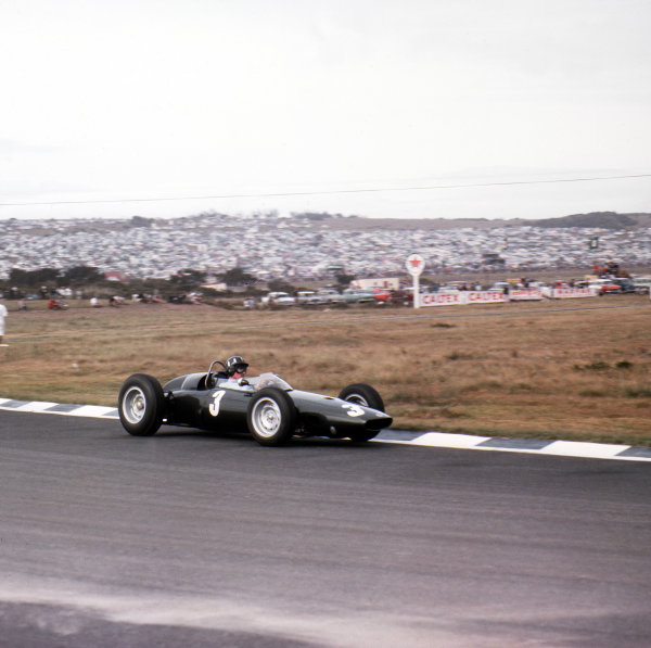 East London, South Africa.27-29 December 1962.Graham Hill (BRM P57) 1st position.Ref-3/0769.World Copyright - LAT Photographic