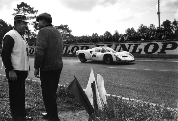 Le Mans, France. 10th - 11th June 1967.Rolf Stommelen / Jochen Neerspasch (Porsche 910), 6th position, action.World Copyright: LAT Photographic.Ref: L67 - 407 - 17