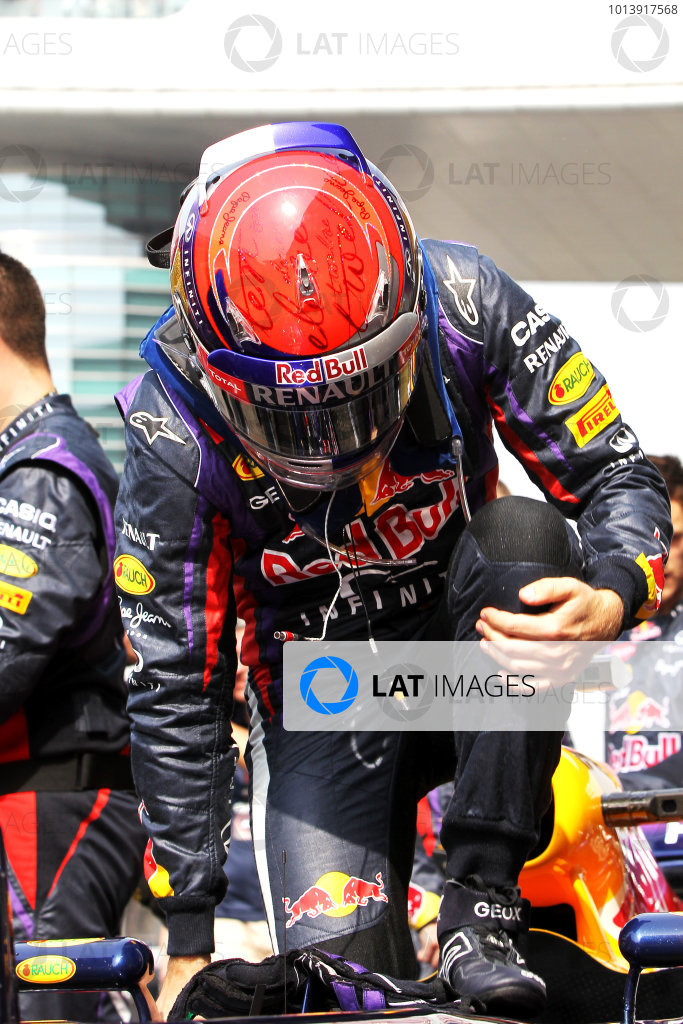 Shanghai International Circuit, Shanghai, China Sunday 14th April 2013 Sebastian Vettel, Red Bull Racing, arrives on the grid. World Copyright: Andy Hone/LAT Photographic ref: Digital Image HONY6775