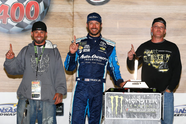 Monster Energy NASCAR Cup Series Go Bowling 400 Kansas Speedway, Kansas City, KS USA Sunday 14 May 2017 Martin Truex Jr, Furniture Row Racing, Auto-Owners Insurance Toyota Camry celebrates in victory lane  World Copyright: Russell LaBounty LAT Images ref: Digital Image 17KAN1rl_7948