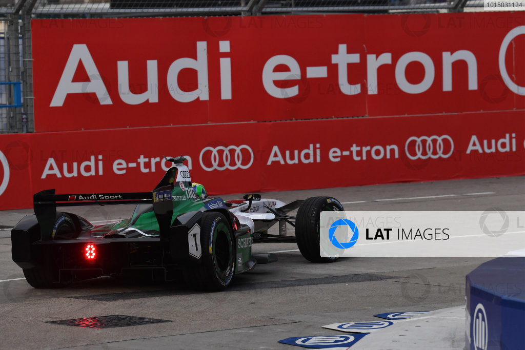 2017/2018 FIA Formula E Championship. Round 1 - Hong Kong, China. Saturday 02 December 2018. Lucas Di Grassi (BRA), Audi Sport ABT Schaeffler, Audi e-tron FE04. Photo: Mark Sutton/LAT/Formula E ref: Digital Image DSC_8453