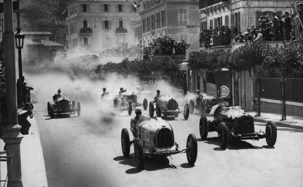 """Monte Carlo. 3rd April 1933. Achille Varzi (Bugatti T51) and Baconin Borzacchini (Scuderia Ferrari Alfa Romeo 8C-2300 """"Monza"""") at the start. They finished in 1st and 2nd positions respectively. Ref: Published Autocar 28/4/1933 p700. World Copyright: LAT Photographic"""