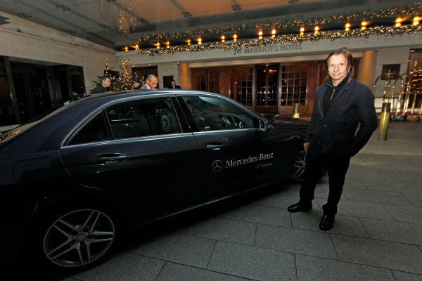2013 Autosport Awards. Grosvenor House Hotel, Park Lane, London. Sunday 1st December 2013. Emerson Fittipaldi arrives at the hotel ahead of the event. World Copyright: Jed Leicester/LAT Photographic. ref: Digital Image Grosvenor-04