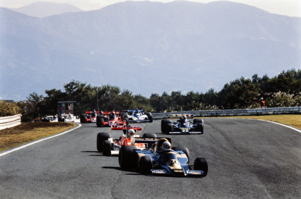Jody Scheckter, Wolf WR1 Ford leads Jochen Mass, McLaren M26 Ford and Clay Regazzoni, Ensign N177 Ford.