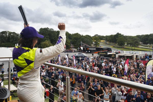 Jamie Chadwick (GBR) celebrates with the trophy
