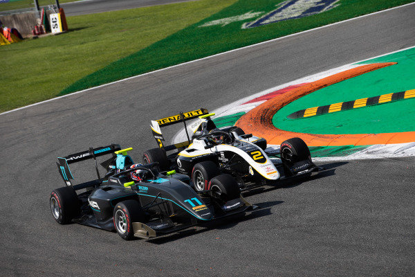 AUTODROMO NAZIONALE MONZA, ITALY - SEPTEMBER 07: Jake Hughes (GBR, HWA RACELAB) and Max Fewtrell (GBR, ART Grand Prix) during the Monza at Autodromo Nazionale Monza on September 07, 2019 in Autodromo Nazionale Monza, Italy. (Photo by Joe Portlock / LAT Images / FIA F3 Championship)