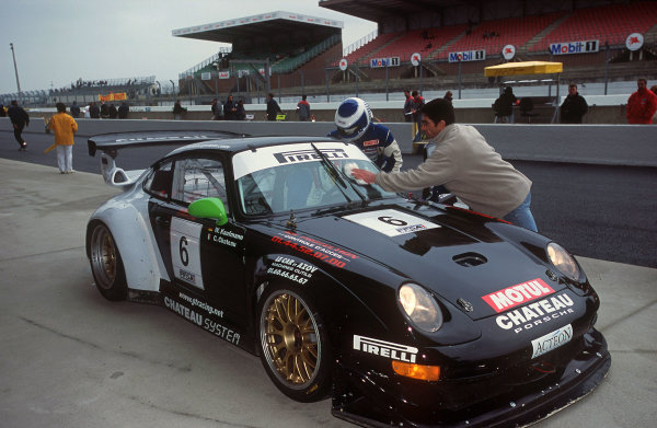 2001 French GT ChampionshipLe Mans, France. 25th March 2001.The 8th position Porsche 911 GT2 of Chateau and Kaufmann.Pitstop.World Copyright: DPPI / LAT Photographicref: 13mb Digital Image