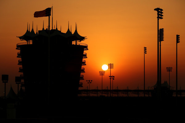 Bahrain tower at sunset. Formula One Testing, Day One, Bahrain International Circuit, Sakhir, Bahrain, Wednesday 19 February 2014. BEST IMAGE