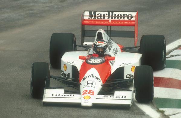 1990 Mexican Grand Prix.Mexico City, Mexico.8-10 June 1990.Gerhard Berger (McLaren MP4/5B Honda) 3rd positionRef-90 MEX 10.World Copyright - LAT Photographic