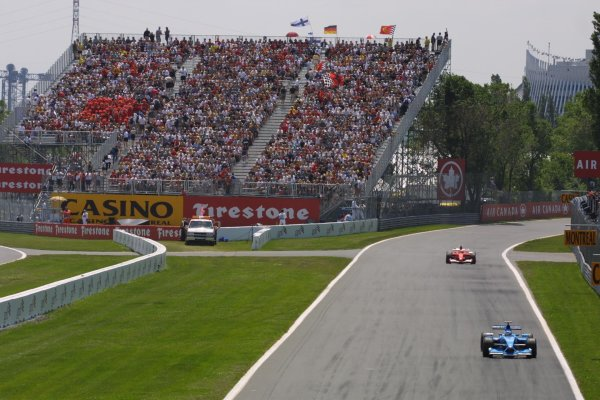 2001 Canadian Grand Prix - RACEMontreal, Canada. 10th June 2001World Copyright - LAT PhotographicRef: 8 9 MB Digital File Only