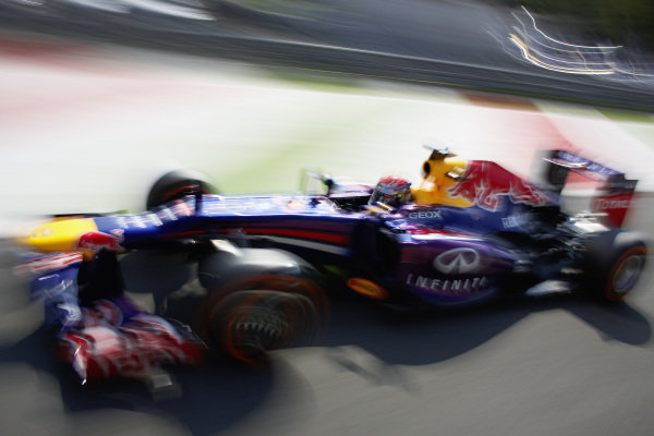 Sebastian Vettel, Red Bull RB9 Renault.