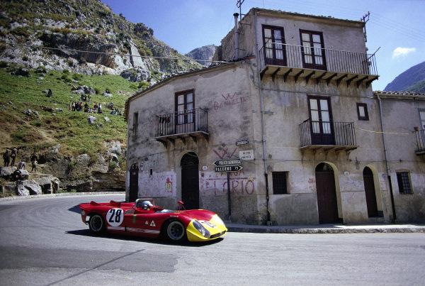 Piers Courage / Andrea de Adamich, Autodelta SpA, Alfa Romeo T33/3.