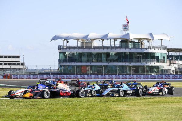 Igor Fraga (BRA, CHAROUZ RACING SYSTEM), Dennis Hauger (NOR, HITECH GRAND PRIX) and Calan Williams (AUS, JENZER MOTORSPORT)
