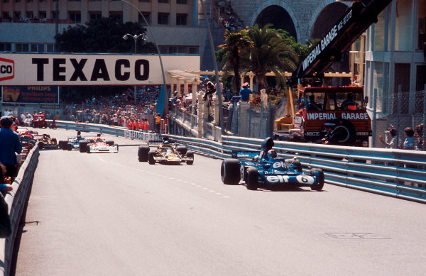 1973 Monaco Grand Prix.Monte Carlo, Monaco.31/5-3/6 1973.Francois Cevert (Tyrrell 006 Ford) leads Ronnie Peterson (Lotus 72E Ford) and Clay Regazzoni (BRM P160E) out of Ste. Devote and up Beau Rivage at the start.Ref-73 MON 93.World Copyright - LAT Photographic