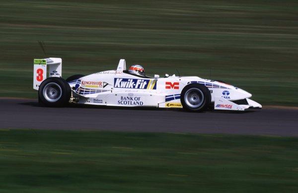 Rd 4a & 4bDonington, England. 6th - 7th May 2000 Narain Karthikeyan - race action World - Spinney/LAT Photographic