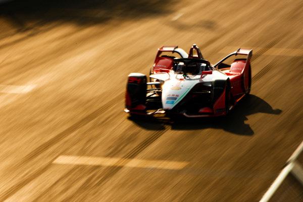 Katherine Legge (GBR), Mahindra Racing, M5 Electro