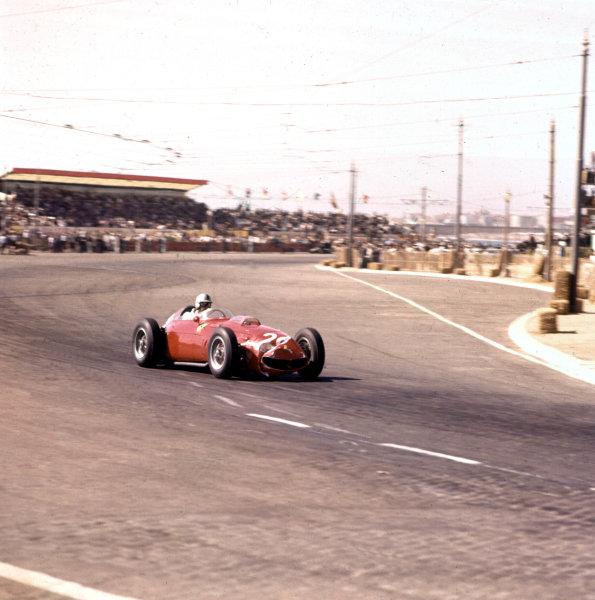 1960 Portuguese Grand Prix.Porto, Portugal.12-14 August 1960.Wolfgang von Trips (Ferrari Dino 246) 4th position.Ref-3/0198.World Copyright - LAT Photographic