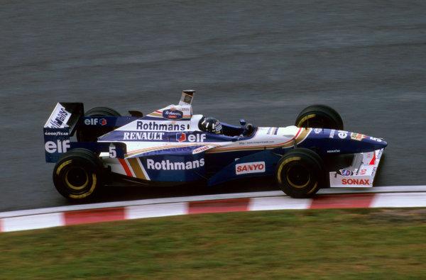 Suzuka, Japan.11-13 October 1996.Damon Hill (Williams FW18 Renault) 1st position. Ref-96 JAP 22.World Copyright - LAT Photographic