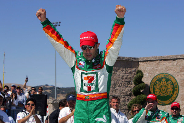 Tony Kanaan (BRA), Andretti Green Racing Dallara Honda, wins the Argent Mortgage Indy Grand Prix.