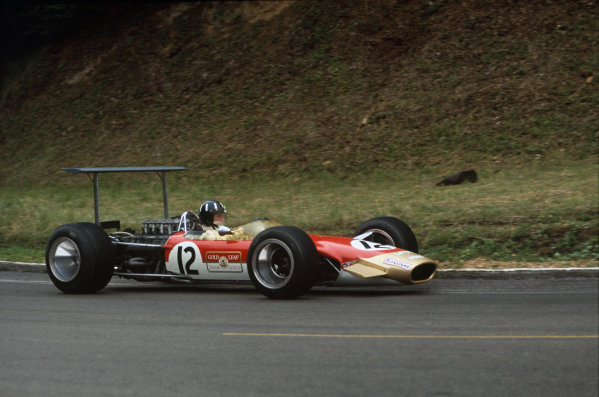 Rouen-les-Essarts, France. 5-7 July 1968.  Graham Hill (Lotus 49B-Ford), retired.  Ref: 68FRA17. World Copyright - LAT Photographic